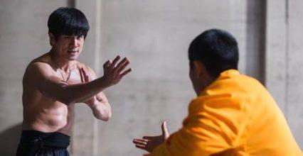 Lý Tiểu Long: Cuộc Chiến Của Rồng – Tựa phim mới về thiên tài võ thuật Bruce Lee