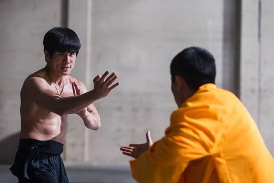 Phân cảnh giao đấu huyền thoại của hai cao thủ được khắc họa trong phim